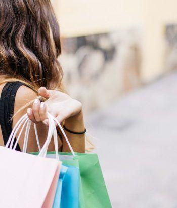 Comprar o no un producto o servicio